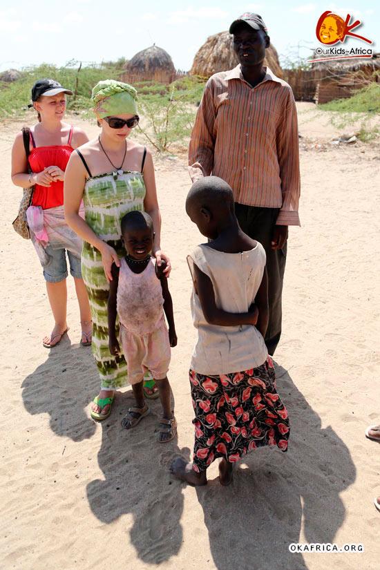 Девочки и миссионеры